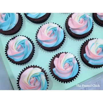 Gender Reveal Cupcake (tri swirl)