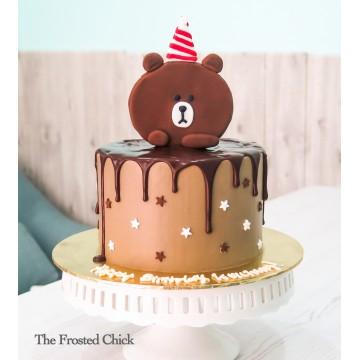 Brown Bear Drip Cake