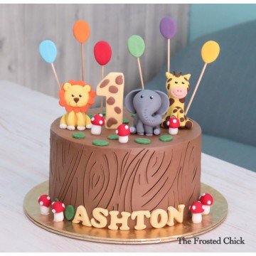 Log stump Animal Safari Cake