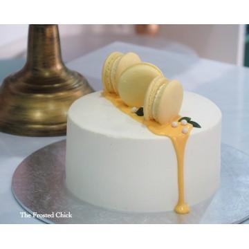 Minimalist drip with Macarons (Fresh cream cake)