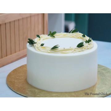 Rustic wreath (Fresh cream cake)