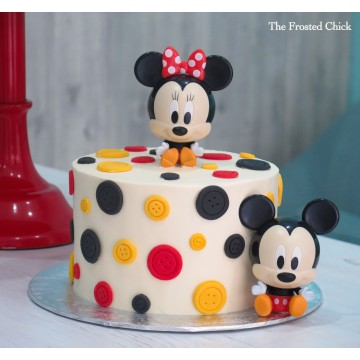 Buttons Cake with Mickey and Minnie toy set