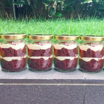 Red Velvet Jar Cake