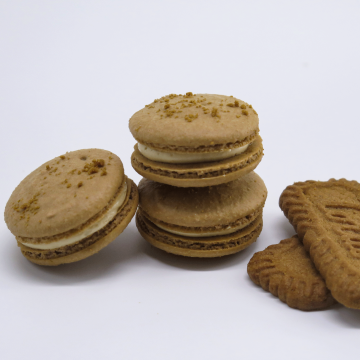 Speculoos Cookie Butter Macaron